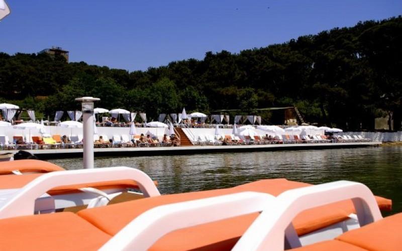 Heybeliada Ada Beach Club Sezonu Açıldı