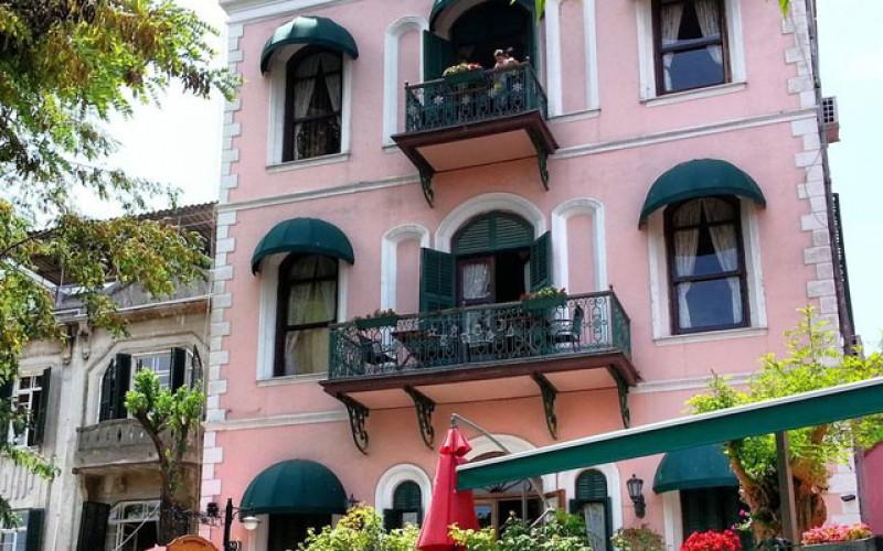 Büyükada Anastasya Meziki Hotel