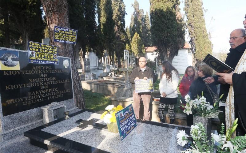 Fenerbahçeli Lefter Büyükada'da Mezarı Başında Anıldı