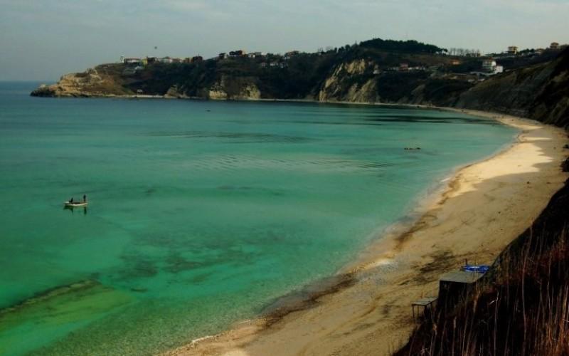 Arnavutköy Durusu Karaburun Ön Deniz Plajı (Doğu Tarafı)