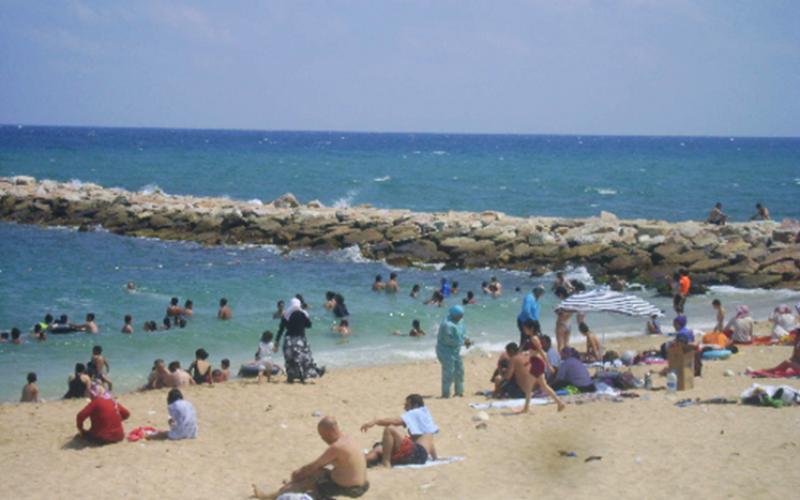 Arnavutköy Durusu Karaburun Ön Deniz Plajı (Batı Tarafı)