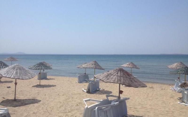 Arnavutköy Yeniköy Sahil Plajı (Köpek Çiftliği Önü)