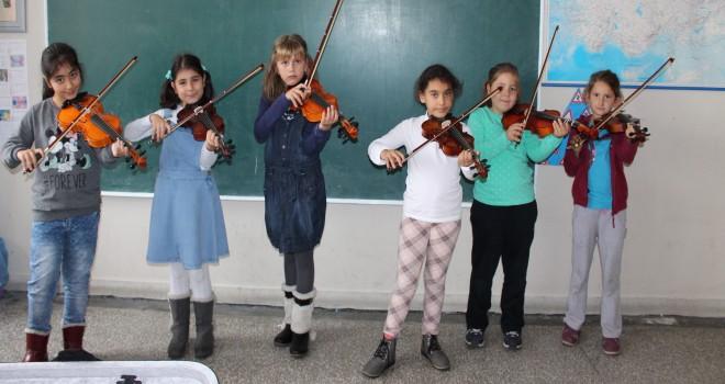 Adalar Çocuk Orkestrası